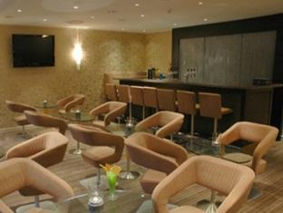 Upstalsboom Hotel Friedrichshain Berliin - Pubi/sohvabaar
