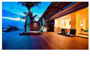 Romantic Bech Villa with beautiful sea view.