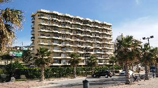 Carvajal , Fuengirola, beachfront apartment..