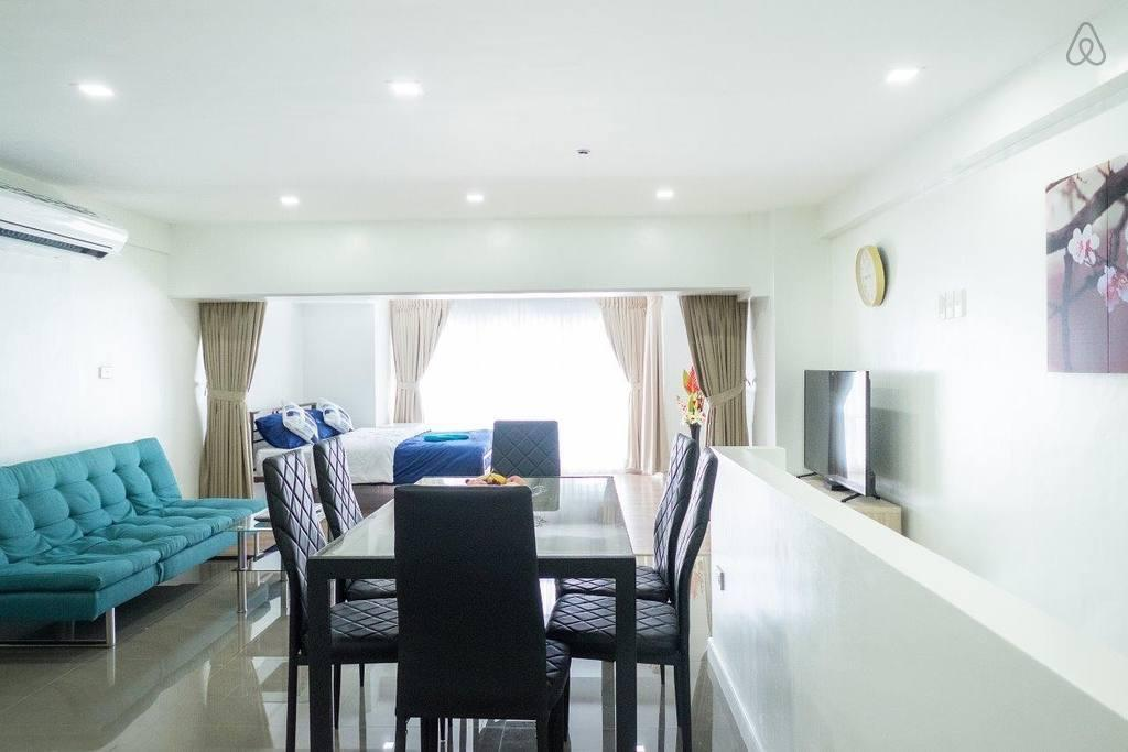 1BR 50sqm Luxury Condominium - Hotels Information/Map/Reviews/Reservation