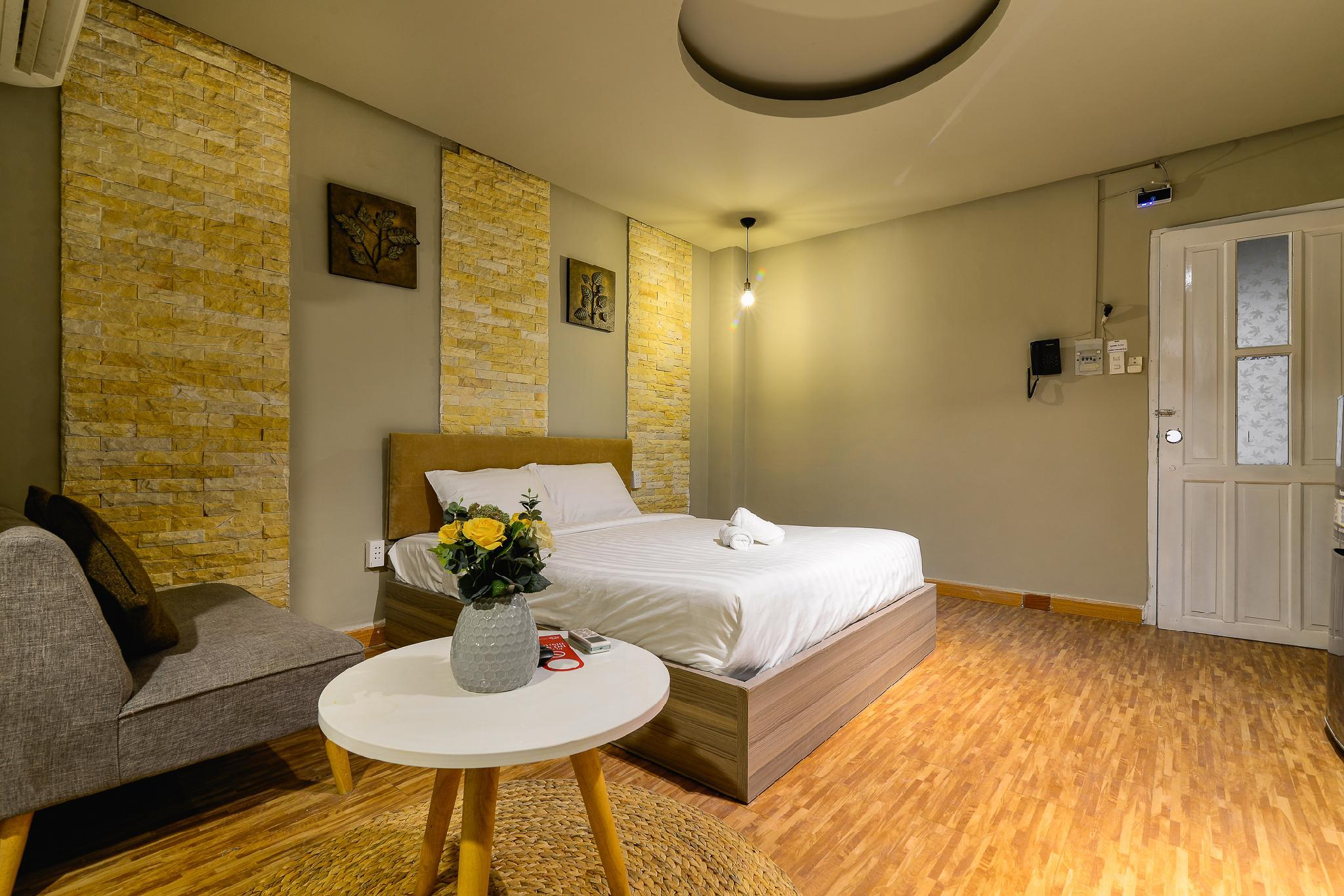 Nice Room With Jacuzzi Tub - 9 House - D1 Ho Chi Minh City Vietnam