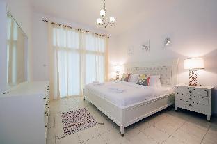 Luxury 2 Bedroom Apartment Al Fahad Tower 2 - image 3