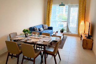 Downtown Dubai Superb 1 Bedroom with Sofa Bed - image 5