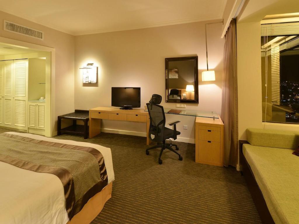 尊享房(特大床) 马六甲贵都大饭店 (Hotel Equatorial Melaka)