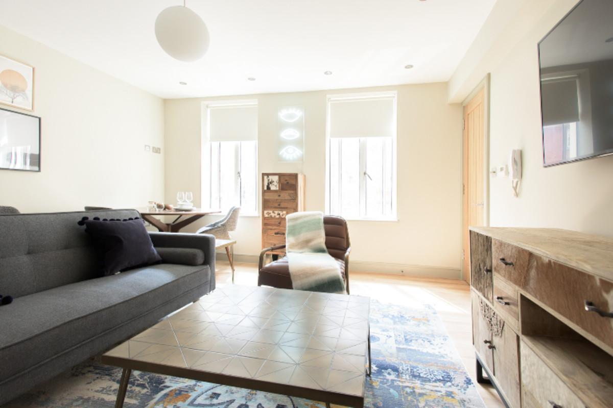 The New Bond Street Loft   Modern 1BDR City Centre Apartment
