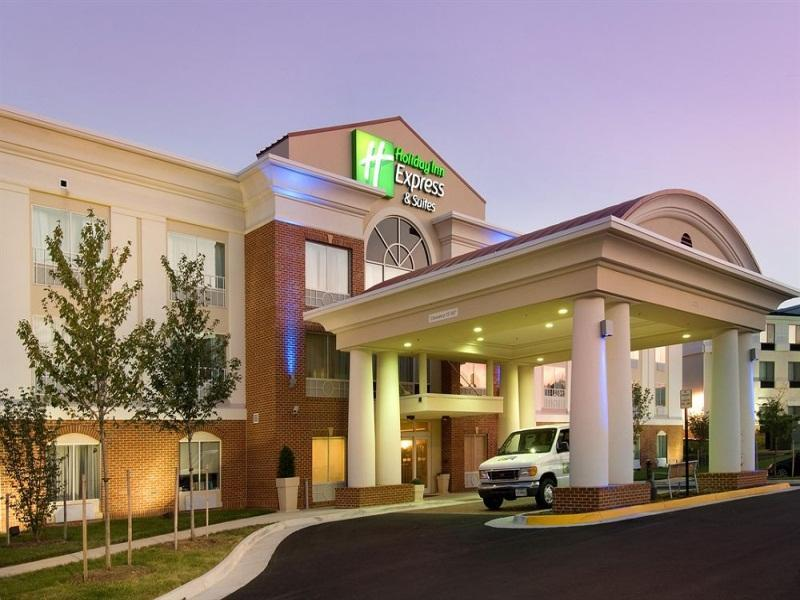 Holiday Inn Express Hotel And Suites Alexandria