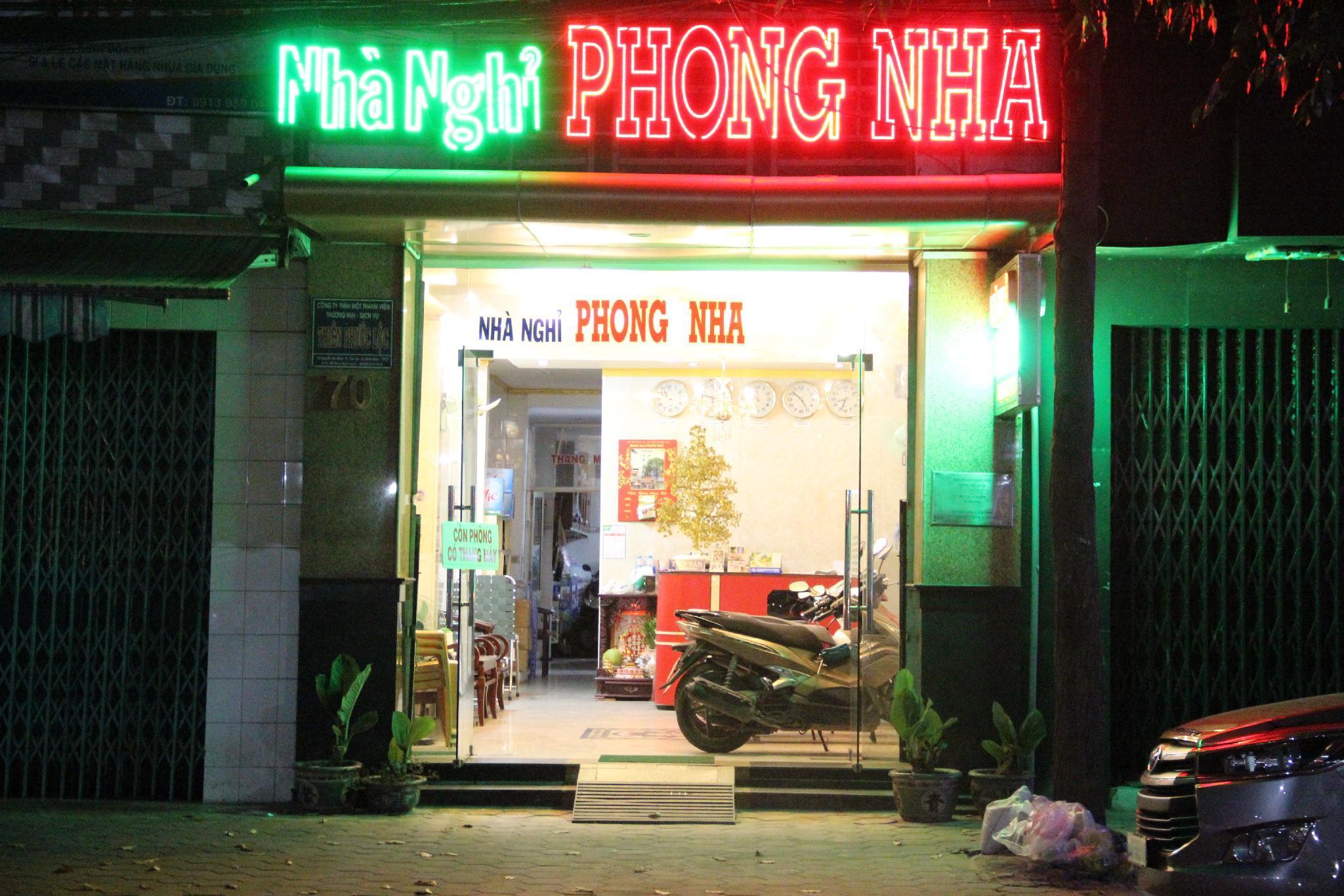 Phong Nha Motels