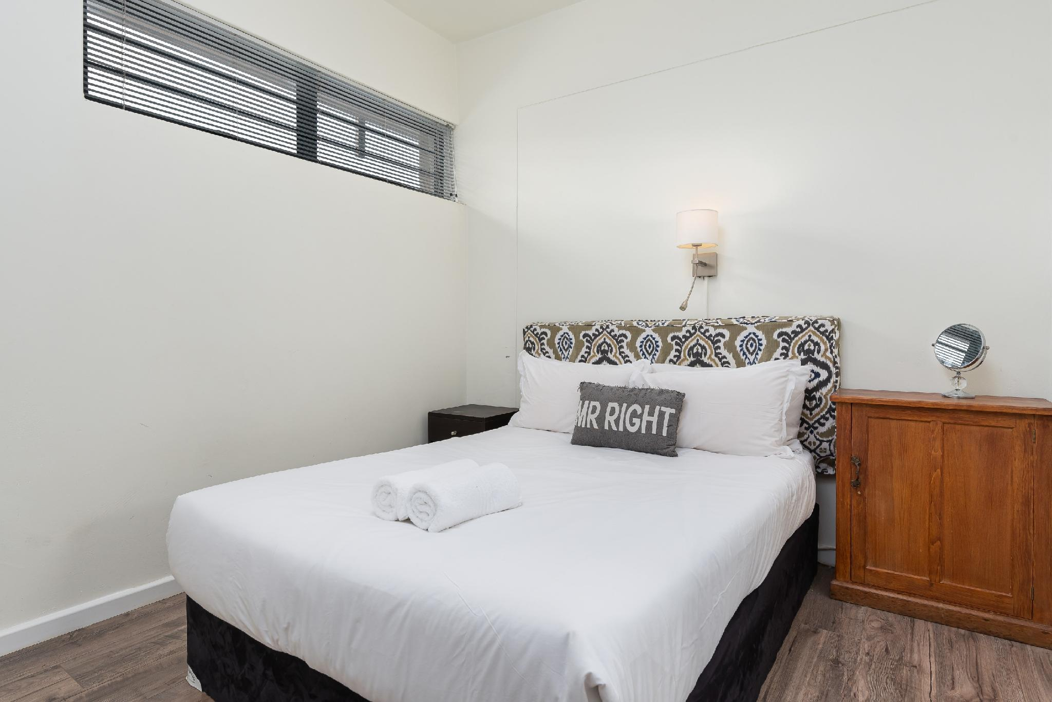 The Ideal 2 bedroom Wynberg Apartment