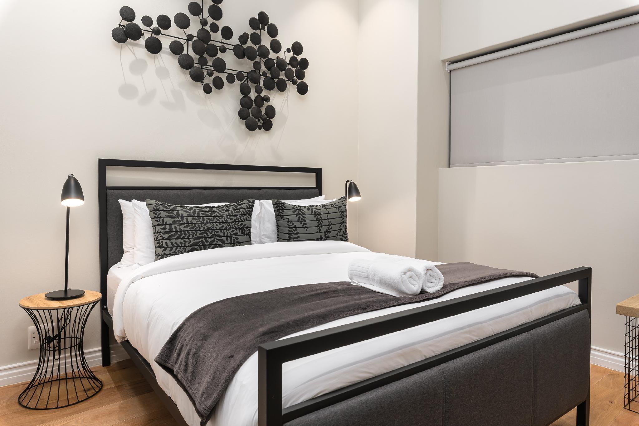 Luxury De Waterkant Apartment With Rooftop Pool