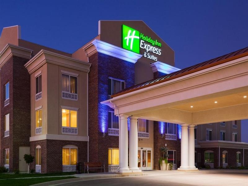 Holiday Inn Express Hotel And Suites Minot South