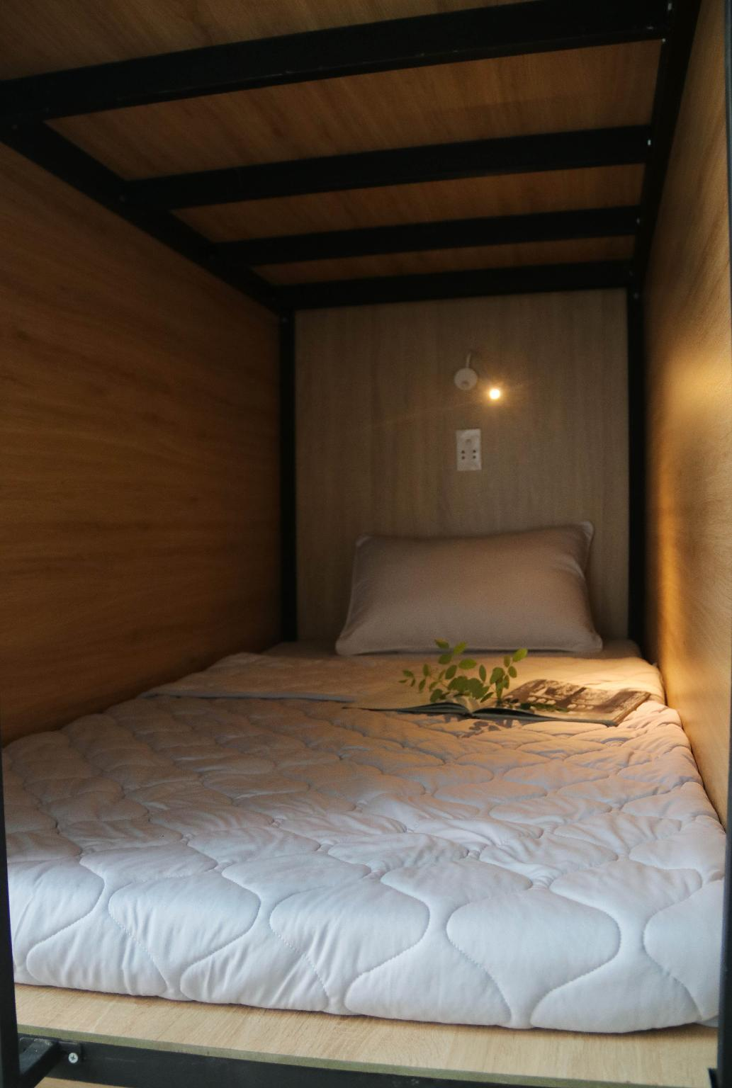 CENTRAL SG DORMROOM COZYandQUITE COUNTRY VN STYLE