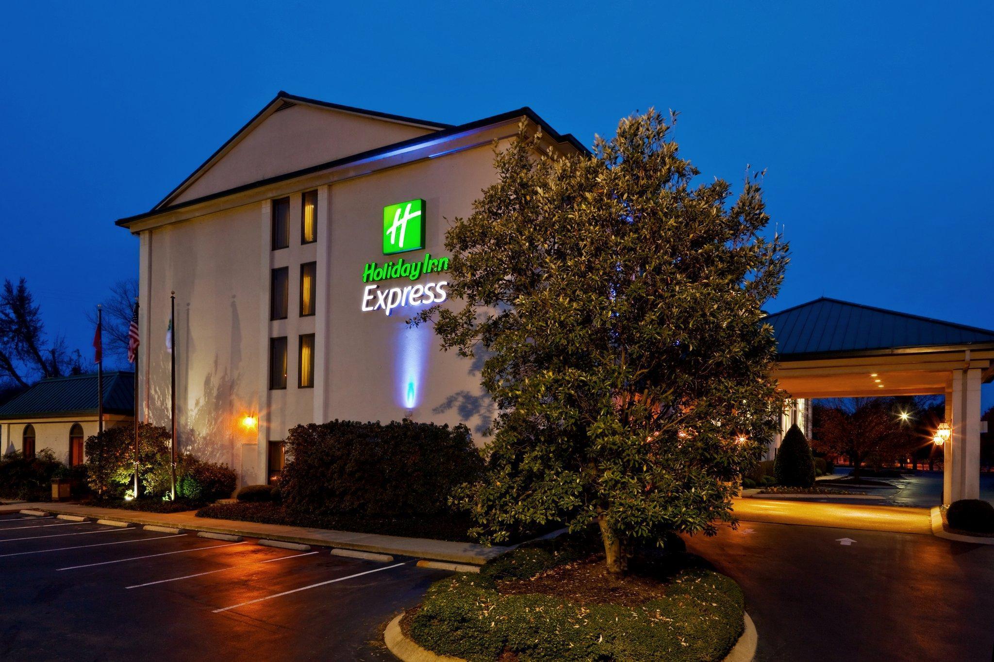 Holiday Inn Express Nashville Hendersonville