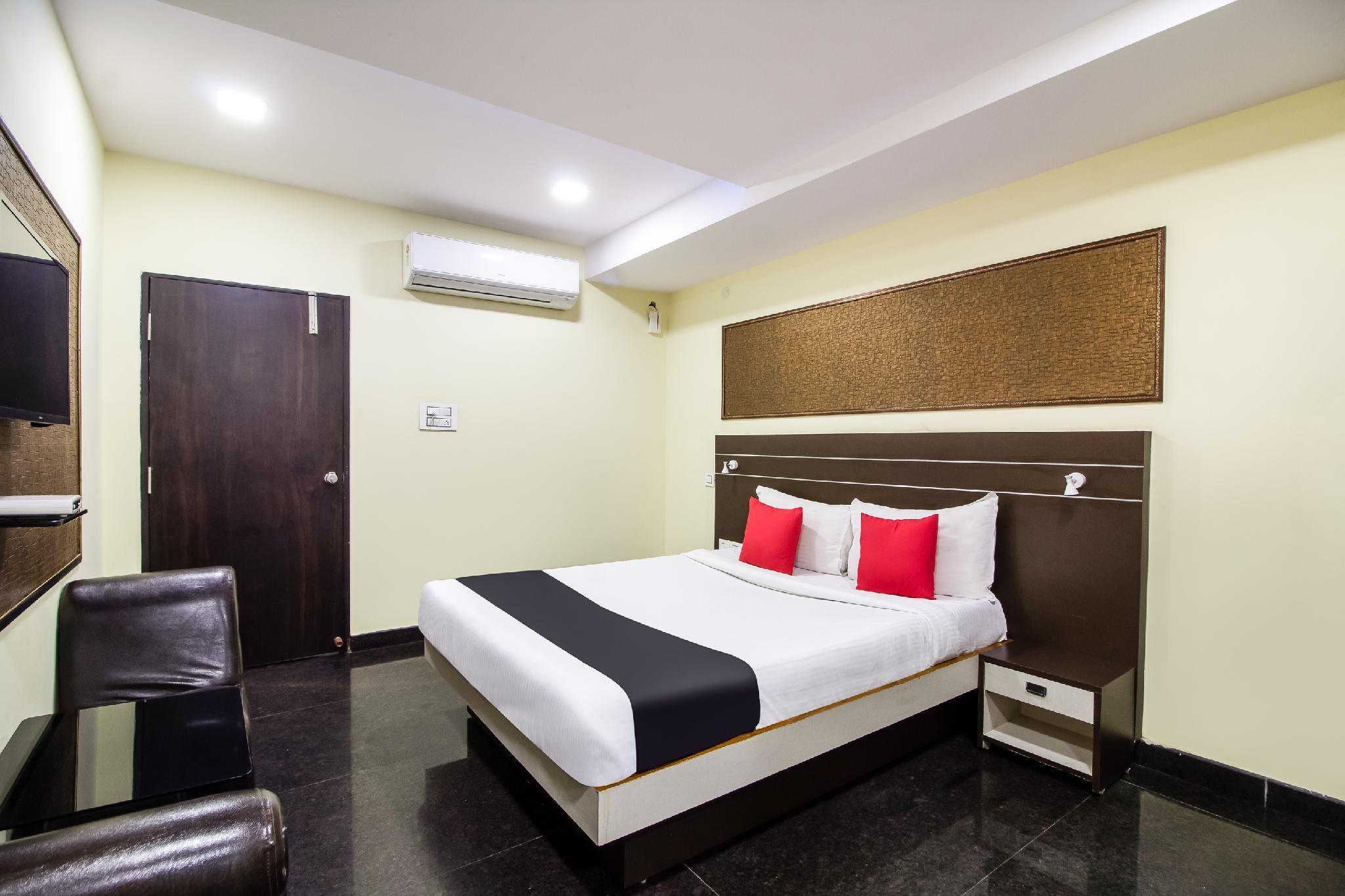 Capital O 60898 Hotel Amour