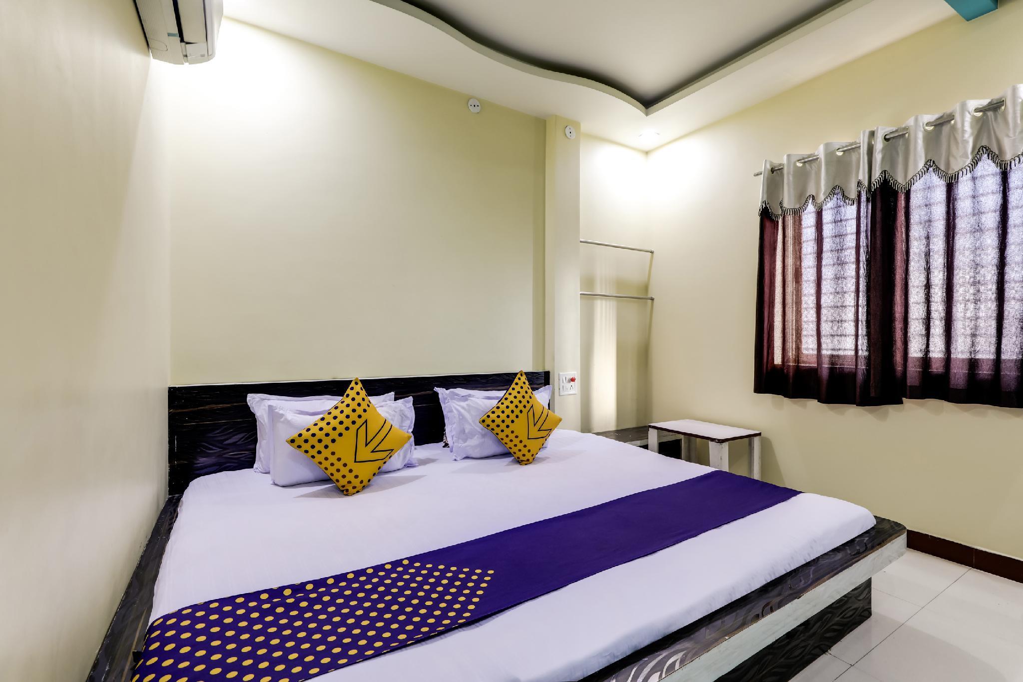 SPOT ON 60700 Hotel Amay Palace