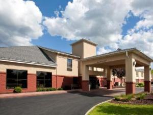 Holiday Inn Express Cleveland-Oakwood Village Hotel