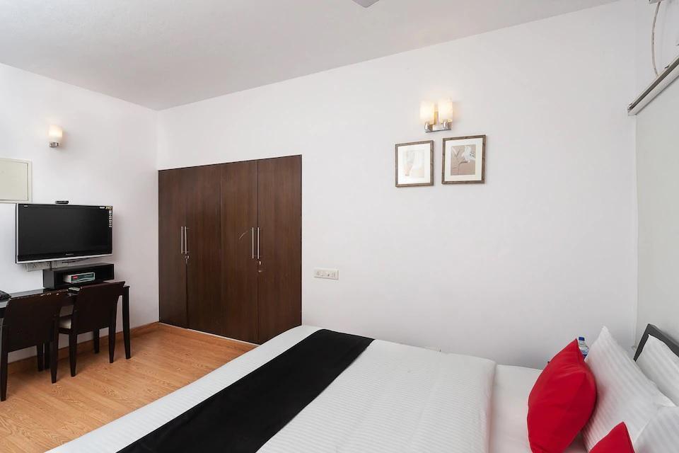 Comfort Suites Shollinganallur  Behind Infosys