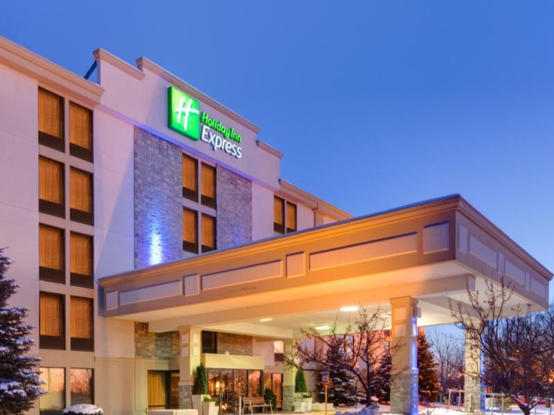 Holiday Inn Express Flint Campus Area
