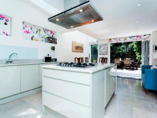 Veeve  2 Bed House Dymock Street Fulham