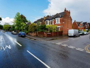 Veeve  5 Bed Family Home Durham Road Wimbledon