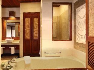 Bali Tropic Resort and Spa Bali - Bathroom
