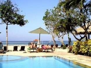 The Benoa Beach Front Villas Bali - Uszoda