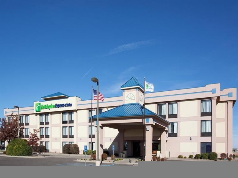 Holiday Inn Express Hotel And Suites Colby