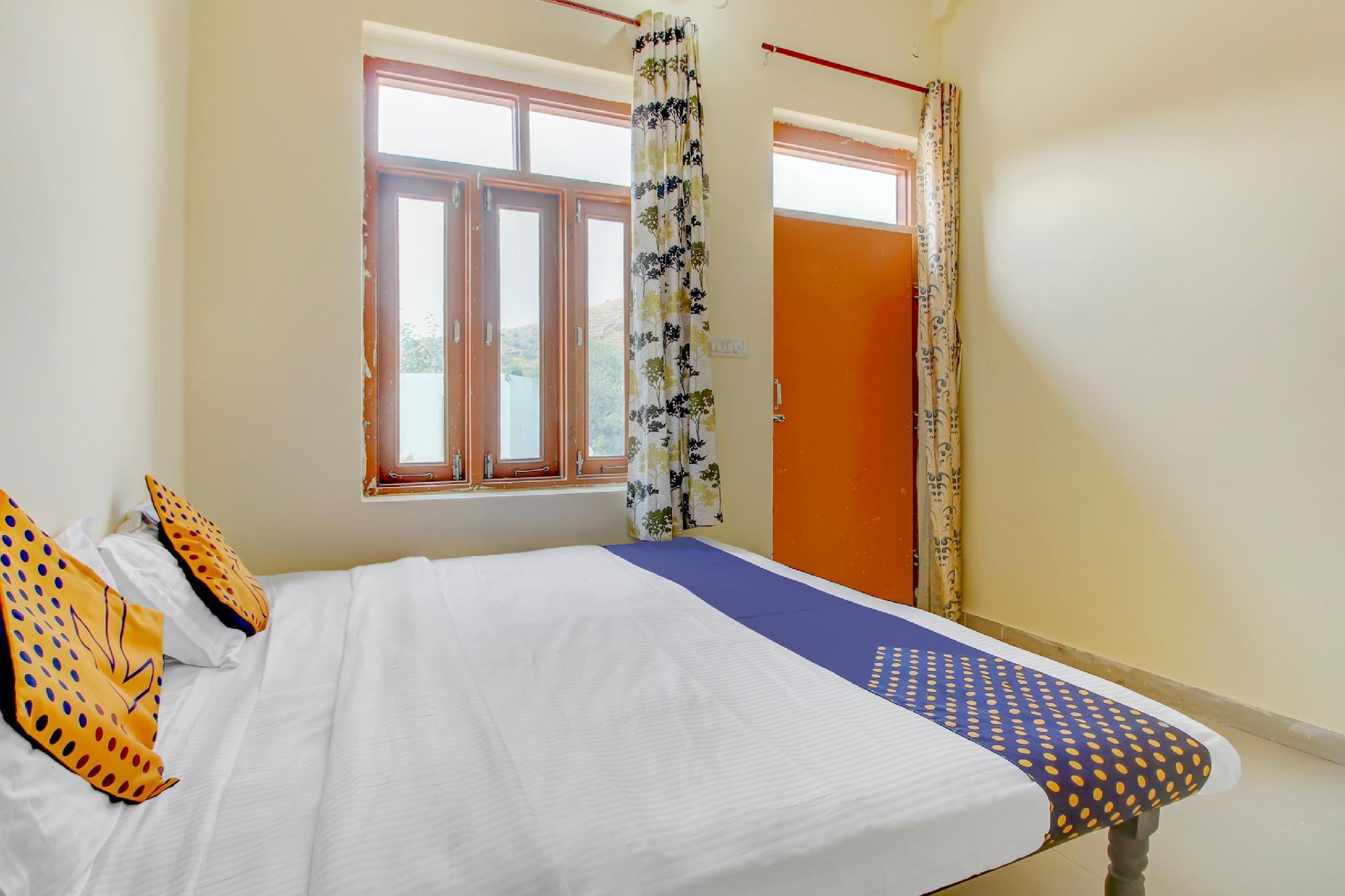 SPOT ON 62478 New Jammu And Punjab Hotel