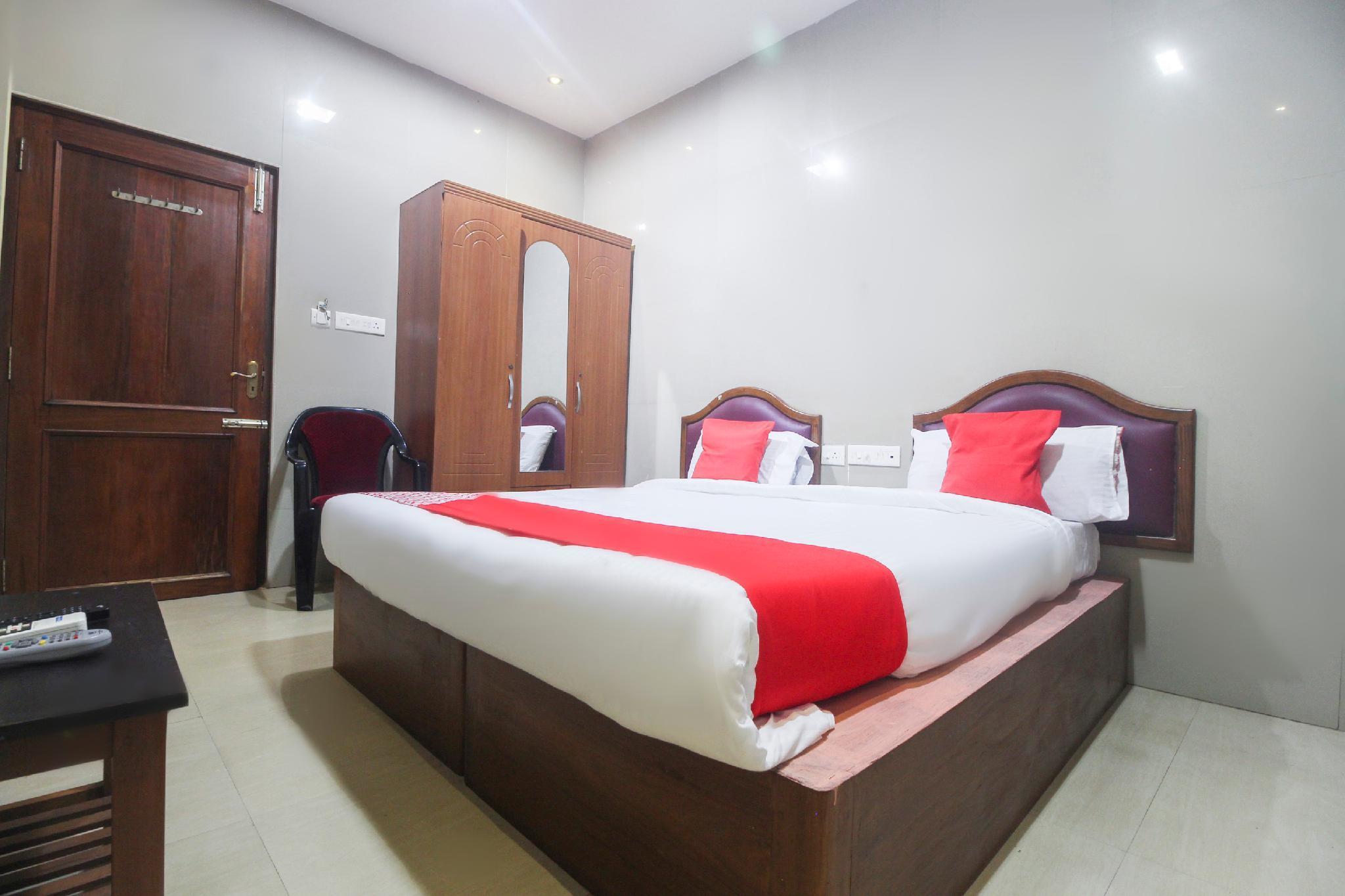 OYO 49165 Hotel Shree Sheela