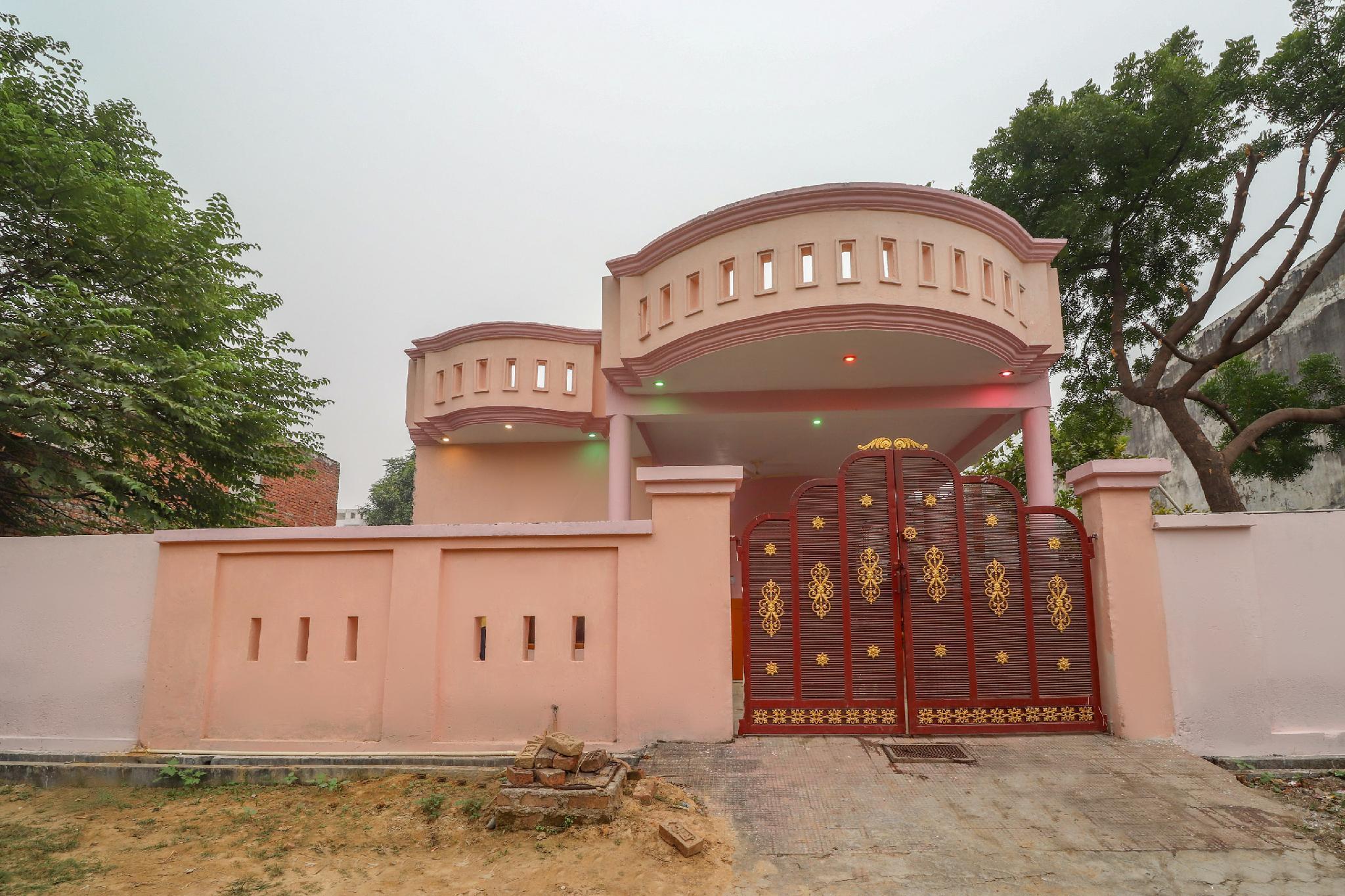 OYO 61219 Abhi Town House