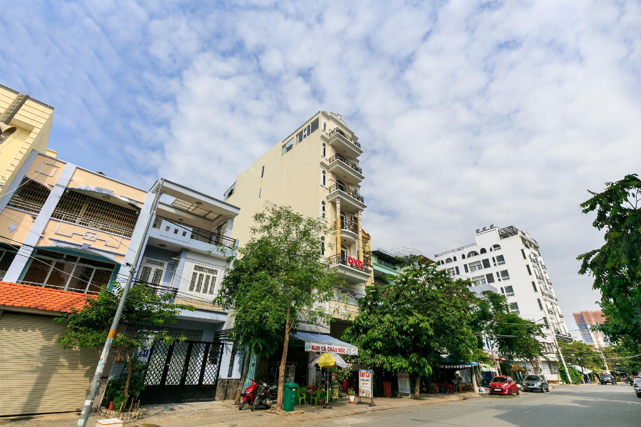 OYO 423 Khanh Ngoc Hotel