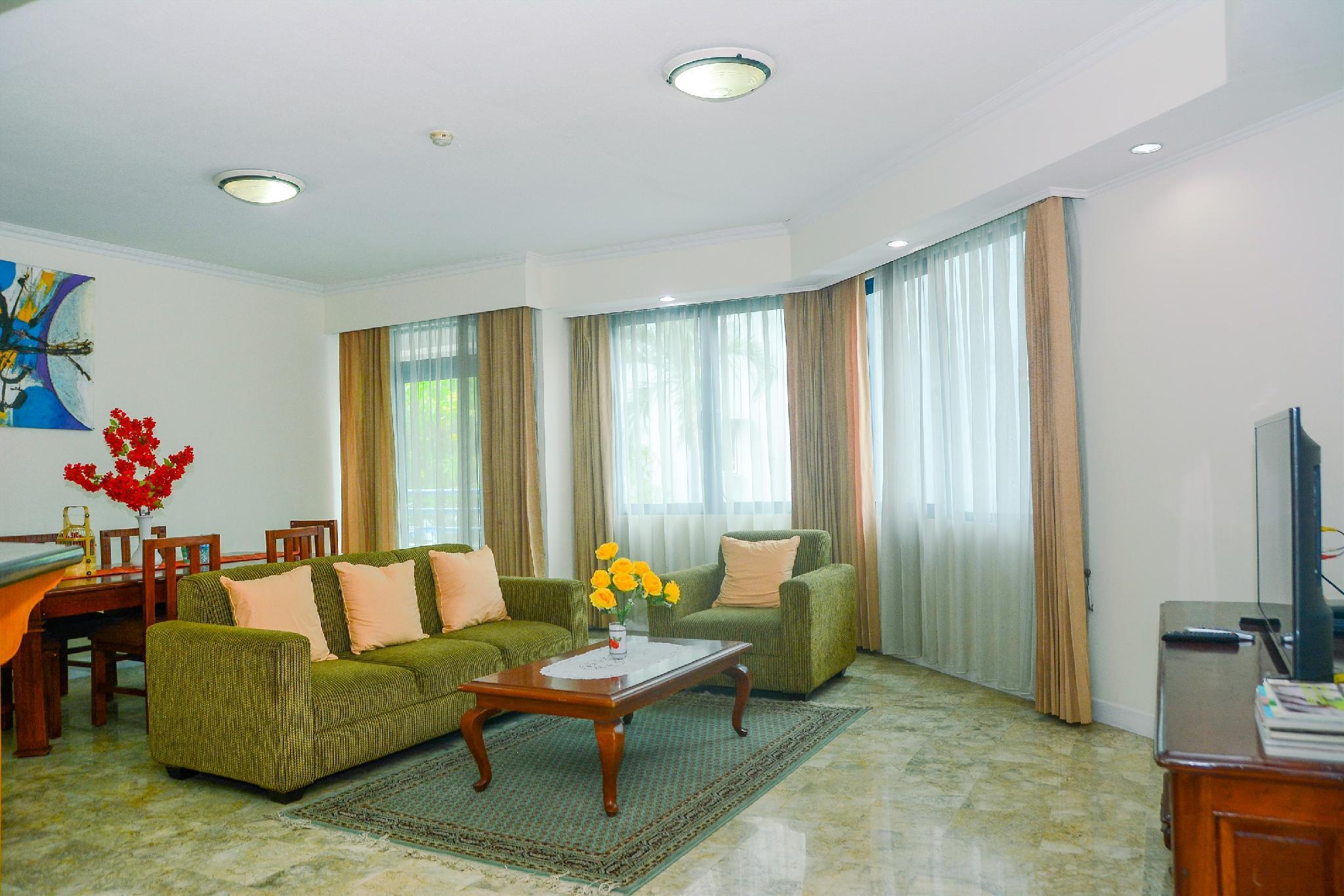 Spacious 3BR Prapanca Apartment By Travelio