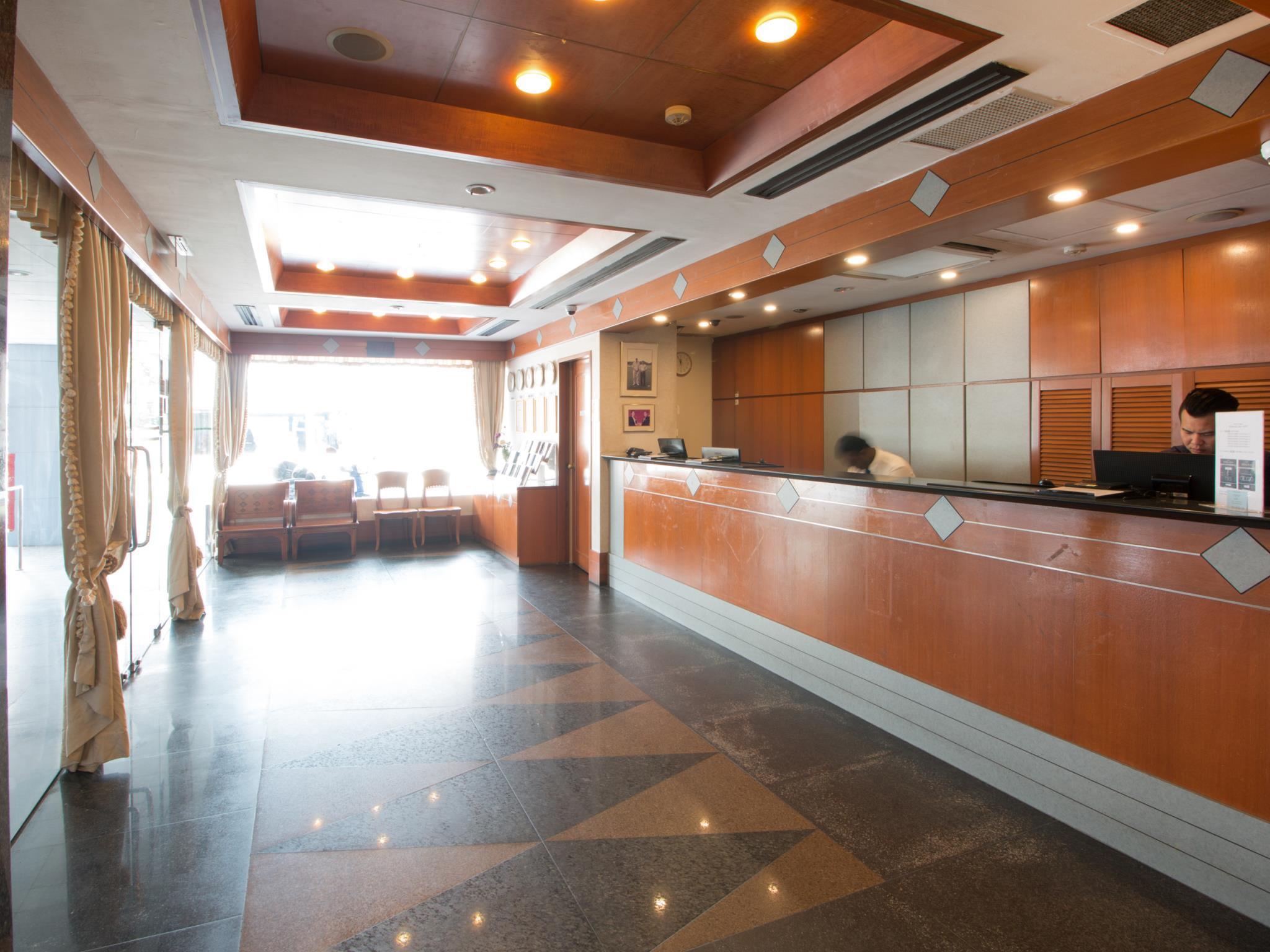 Hotel 81 Palace 4