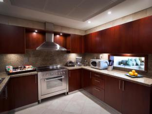 JA Oasis Beach Tower Apartments Dubai - 2 Bedroom Kitchen