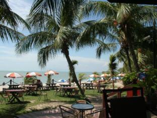 Rainbow Paradise Beach Resort Penang - Gayas Beachside Bistro
