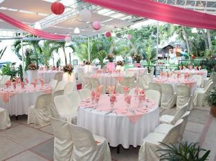 Rainbow Paradise Beach Resort Penang - Garden Wedding