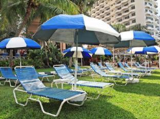 Rainbow Paradise Beach Resort Penang - Beachfront
