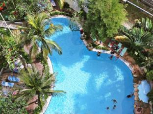 Rainbow Paradise Beach Resort Penang - Swimming Pool