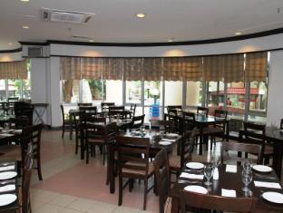 Rainbow Paradise Beach Resort Penang - Breeze Cafe