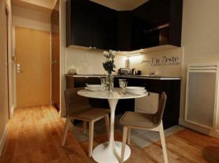 Parisian Home Apartments Louvre - Bourse 12