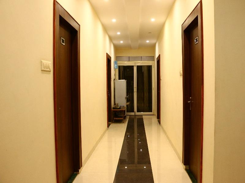 Review Hotel Paradise Residency