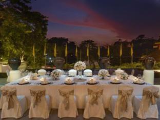 Chatrium Hotel Royal Lake Yangon Yangon - Sunset Terrace