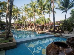 Chatrium Hotel Royal Lake Yangon Yangon - Swimming Pool