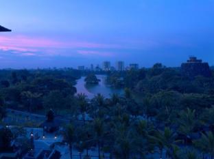 Chatrium Hotel Royal Lake Yangon Yangon - Lake view from hotel
