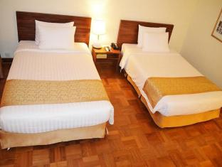 Inya Lake Hotel Yangon - Superior Twin Room