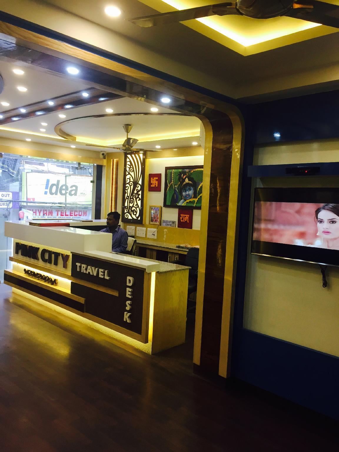 Review Hotel pink city