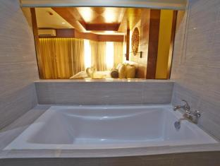 Cebu White Sands Resort and Spa Mactan Island - Mabuhay Suite Room