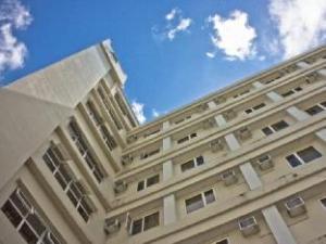 디플로맷 호텔  (Diplomat Hotel)