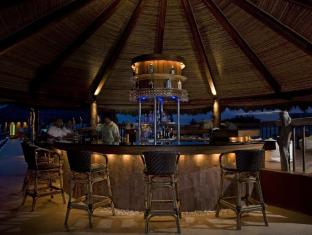 Bluewater Maribago Beach Resort Mactan Island - Bar/Bekleme Salonu