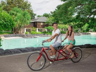 Plantation Bay Resort & Spa Mactan Island - Tandem bicycles
