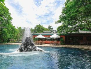 Plantation Bay Resort & Spa Mactan Island - Savannah Freshwater Pool